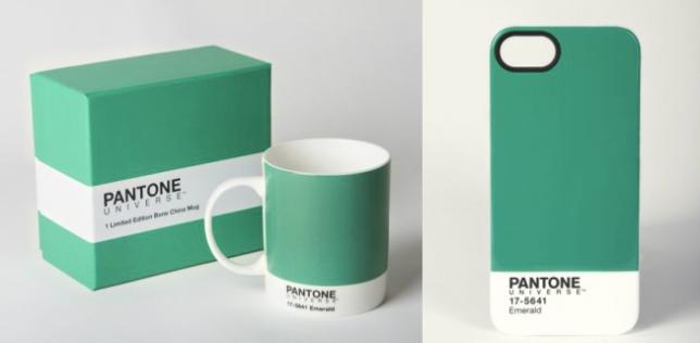 A la izquierda jarro de cerámica y a la derecha: estuche para iPhone.